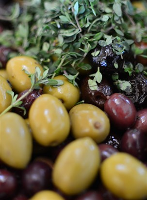 Homemade olives with thyme
